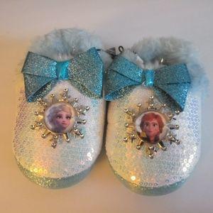 Frozen kids slippers girls size 7-8